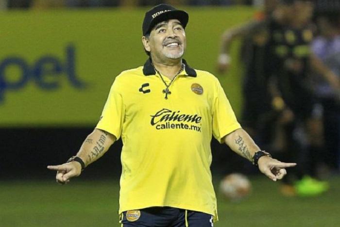 Diego Maradona continuará como técnico de Dorados