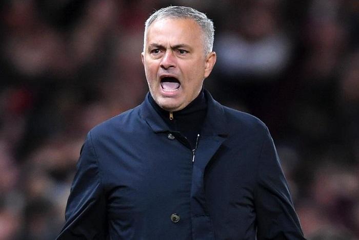 Internautas no quieren a Mourinho en el banquillo del Real Madrid