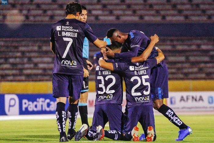 Universidad Católica goleó a Fuerza Amarilla 6 a 0